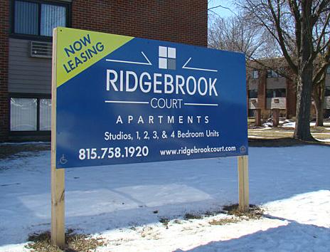 ridgebrook court apartments outdoor sign