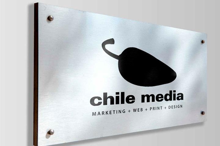 aluminium-signs-chile-media2