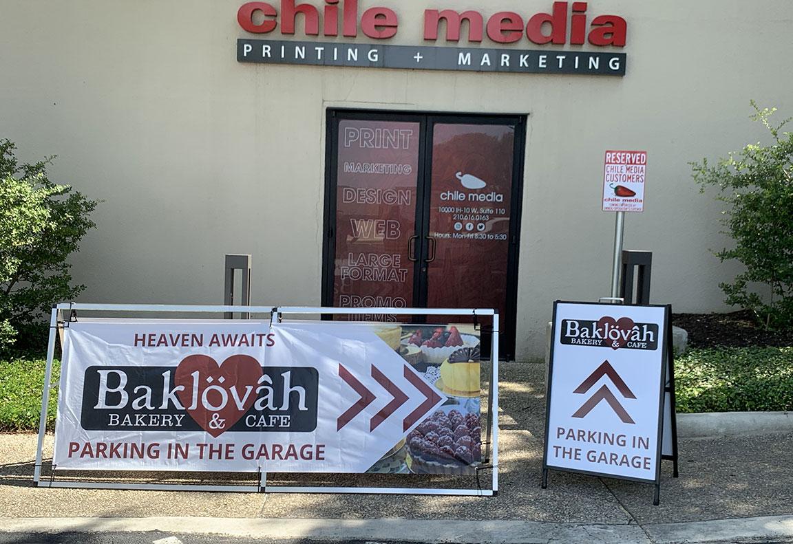 baklovah-sidewalk-signs